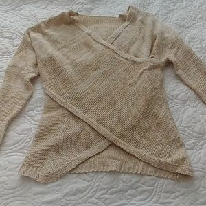 Criss cross 3/4 sleeve sweater